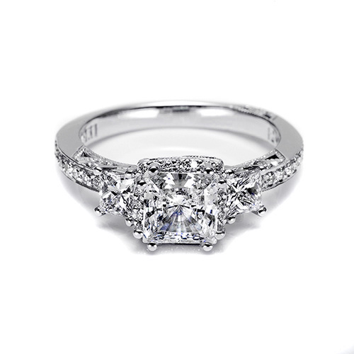 Tacori 18 Karat Dantela Engagement Ring 2622PRLGP Alternative View 2
