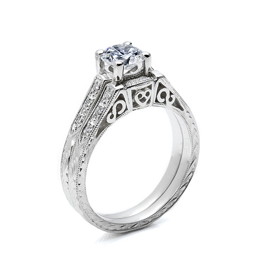 Tacori 18 Karat Crescent Wedding Band HT2202B Alternative View 1