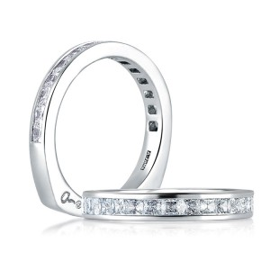 A Jaffe Signature Platinum Wedding Ring MRS176