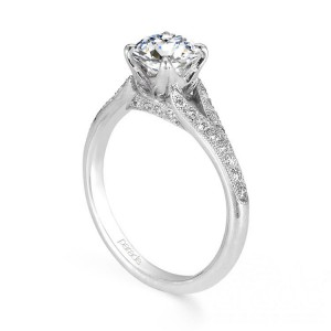 Parade New Classic R2524 14 Karat Diamond Engagement Ring