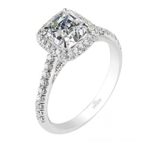 Parade New Classic R2813 Platinum Diamond Engagement Ring