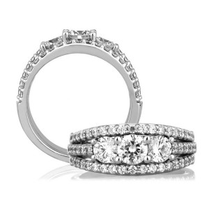 A Jaffe Classic 14 Karat Engagement / Wedding Ring WR0790