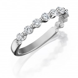 Henri Daussi R32 Shared Prong Diamond Band