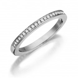 Henri Daussi R4 Band with a Single Line of Pave Diamonds