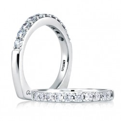 A Jaffe 18 Karat Diamond Wedding Ring MRS078 / 100