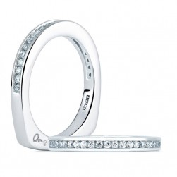 A Jaffe Signature Platinum Wedding Ring MRS227