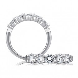 A Jaffe Classic Platinum Wedding Ring WR0474