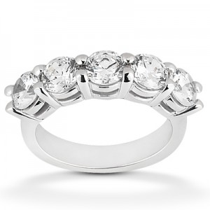 Diamond Five Stone Band 14 Karat Taryn Collection TQD B-4225