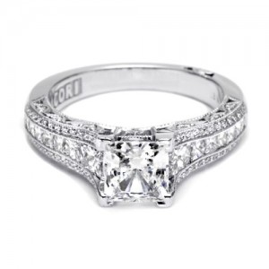 Tacori Crescent 18 Karat Engagement Ring HT2513PR612X