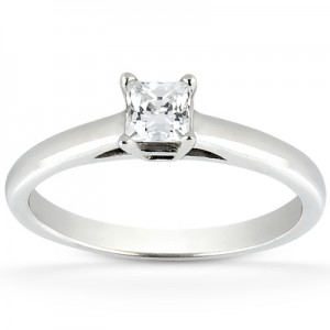 Taryn Collection 18 Karat Diamond Engagement Ring TQD 0496