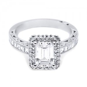 HT2517EC75X55 Tacori Crescent 18 Karat Engagement Ring