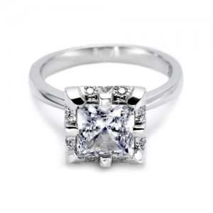 Tacori Platinum Solitaire Engagement Ring 2504PR7