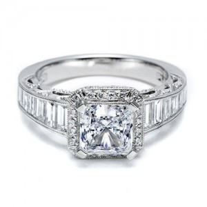 Tacori Crescent 18 Karat Engagement Ring HT2531PR12