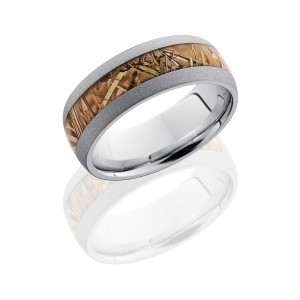 Lashbrook CC8D14/KINGSFIELD SANDBLAST Camo Wedding Ring or Band