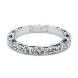 Tacori 18 Karat Crescent Silhouette Wedding Band HT2511