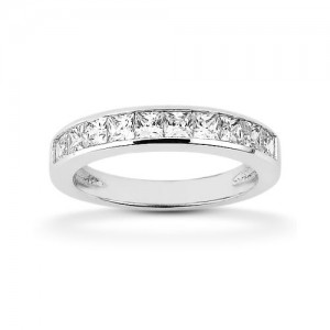 Diamond Channel Set Band 18 Karat Taryn Collection TQD B-5425