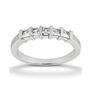 Diamond Five Stone Band 14 Karat Taryn Collection TQD B-3372