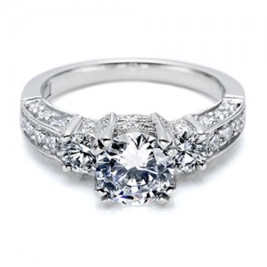Tacori Crescent 18 Karat Engagement Ring HT2250
