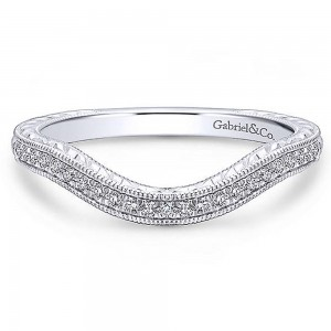 Gabriel 18 Karat White Gold Curved Wedding Band WB12581R4W84JJ