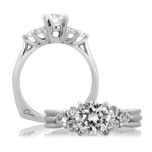A Jaffe 14 Karat Signature Engagement Ring MES035