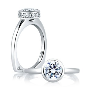 A Jaffe 14 Karat Signature Engagement Ring MES057