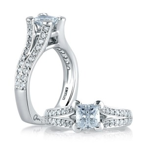 A Jaffe 14 Karat Signature Engagement Ring MES068