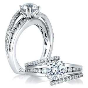 A Jaffe 14 Karat Signature Engagement Ring MES272