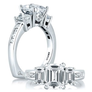 A Jaffe 14 Karat Three-Stone Engagement Ring MES242