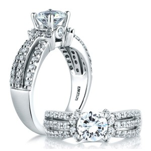 A Jaffe Platinum Classic Engagement Ring ME1288