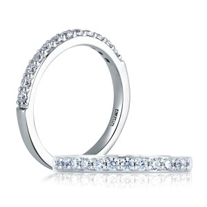 A Jaffe Classic Platinum Wedding Ring MR1353