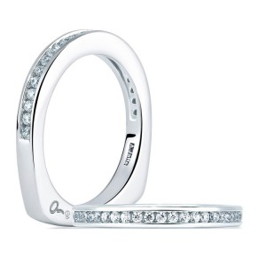 A Jaffe Signature 18 Karat Wedding Ring MRS227