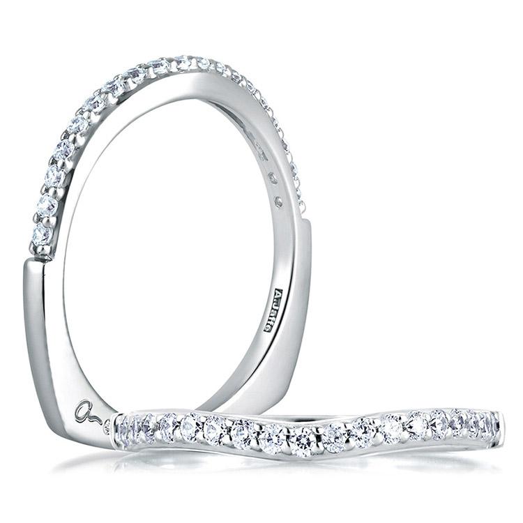A JAFFE Art Deco Collection Signature 14 Karat Diamond Wedding Ring MRS144