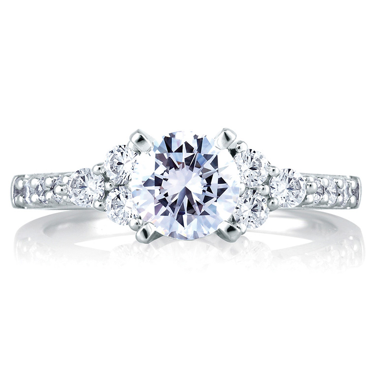 A Jaffe 18 Karat Classic Engagement Ring ME1290 Alternative View 2