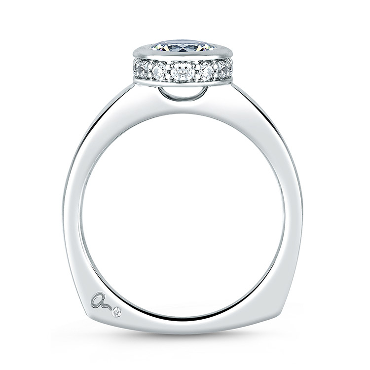 A Jaffe 18 Karat Signature Engagement Ring MES057 Alternative View 1