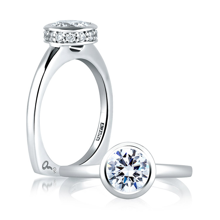 A Jaffe 18 Karat Signature Engagement Ring MES057
