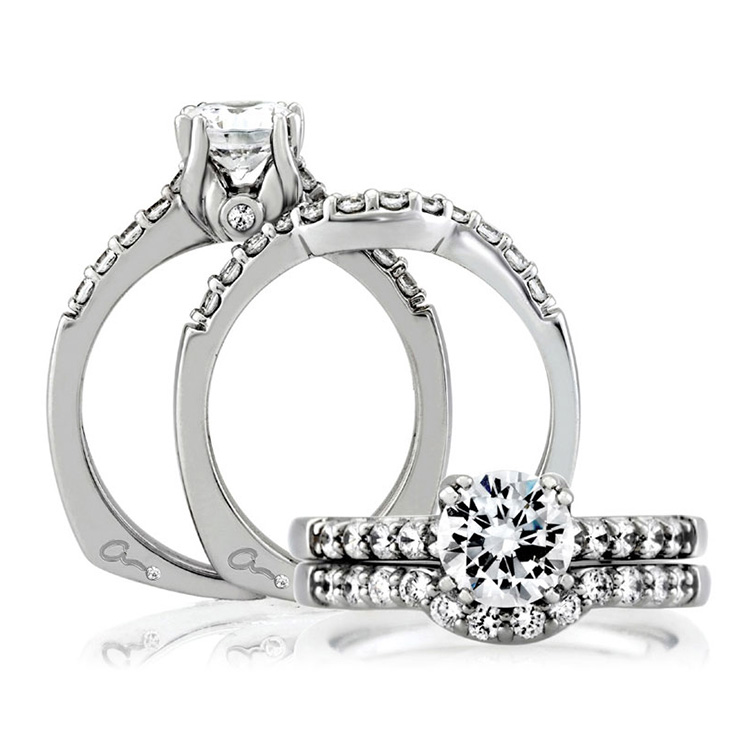 A Jaffe 18 Karat Signature Engagement Ring MES097 Alternative View 3