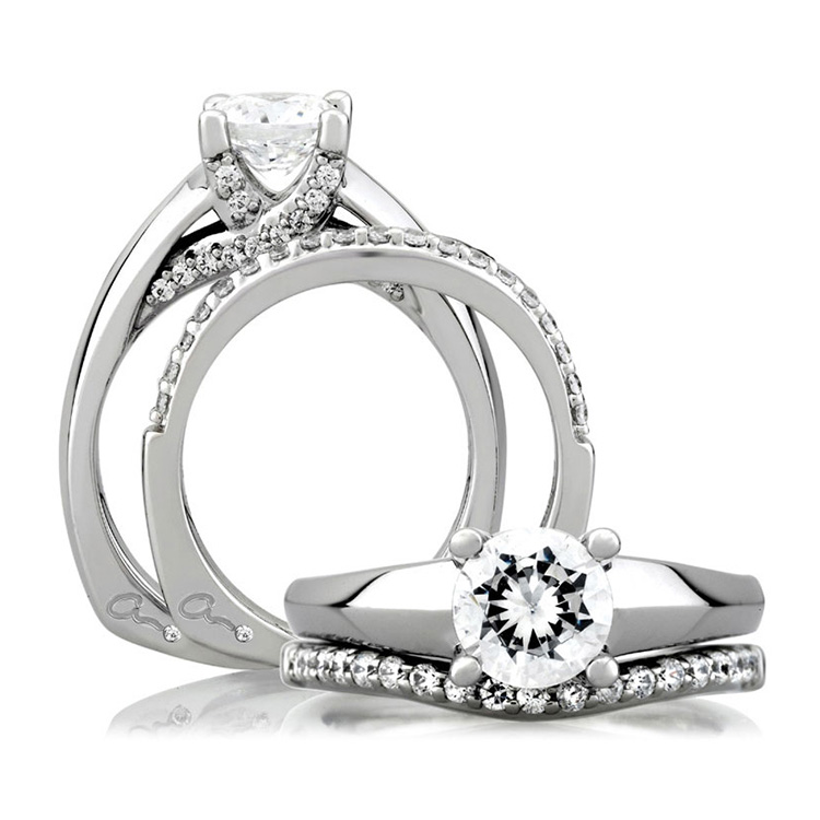 A Jaffe 18 Karat Signature Engagement Ring MES144 Alternative View 3