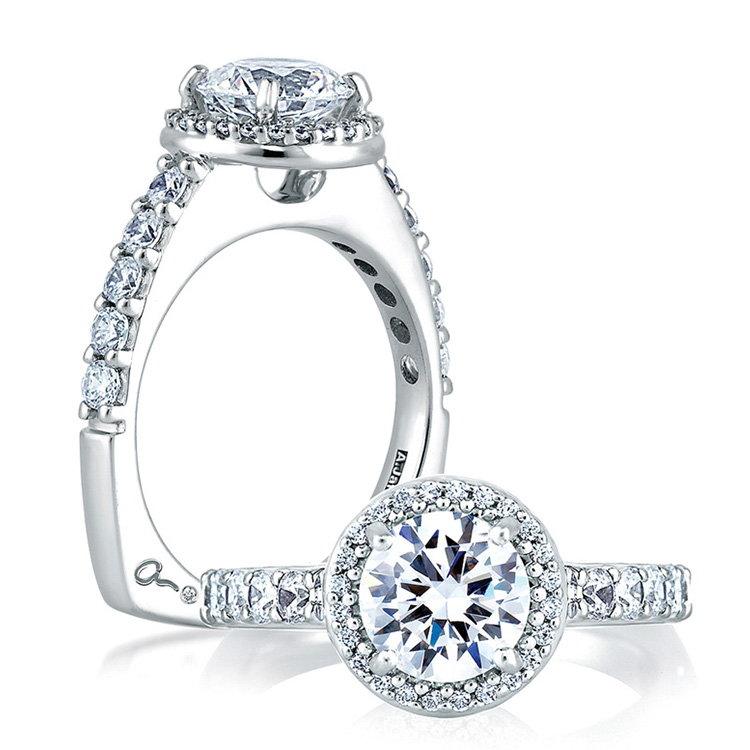 A Jaffe 18 Karat Signature Engagement Ring MES168