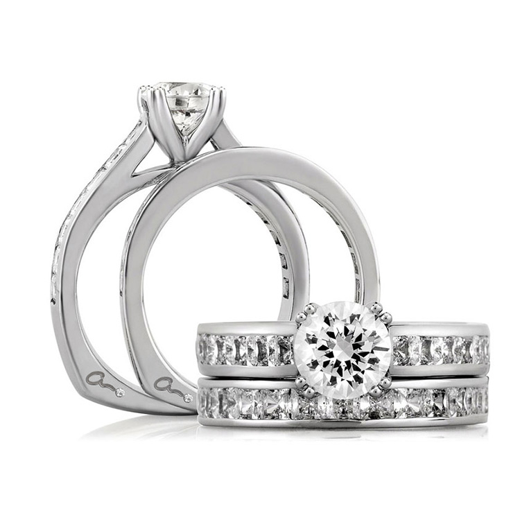 A Jaffe 18 Karat Signature Engagement Ring MES176 Alternative View 3