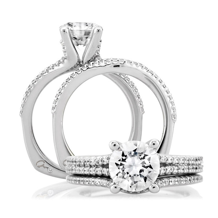 A Jaffe 18 Karat Signature Engagement Ring MES178 Alternative View 3
