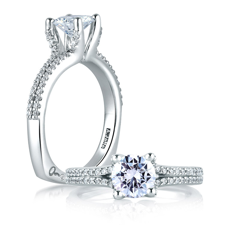 A Jaffe 18 Karat Signature Engagement Ring MES178