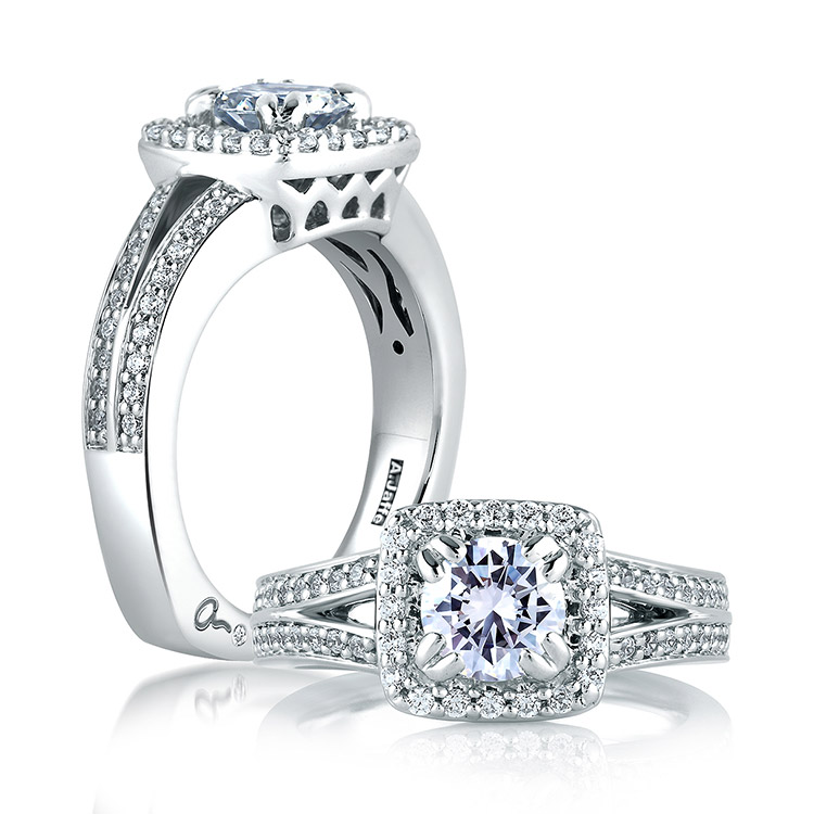 A Jaffe 18 Karat Signature Engagement Ring MES264