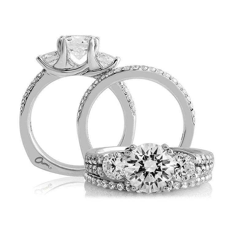 A Jaffe 18 Karat Three-Stone Engagement Ring MES278 Alternative View 3