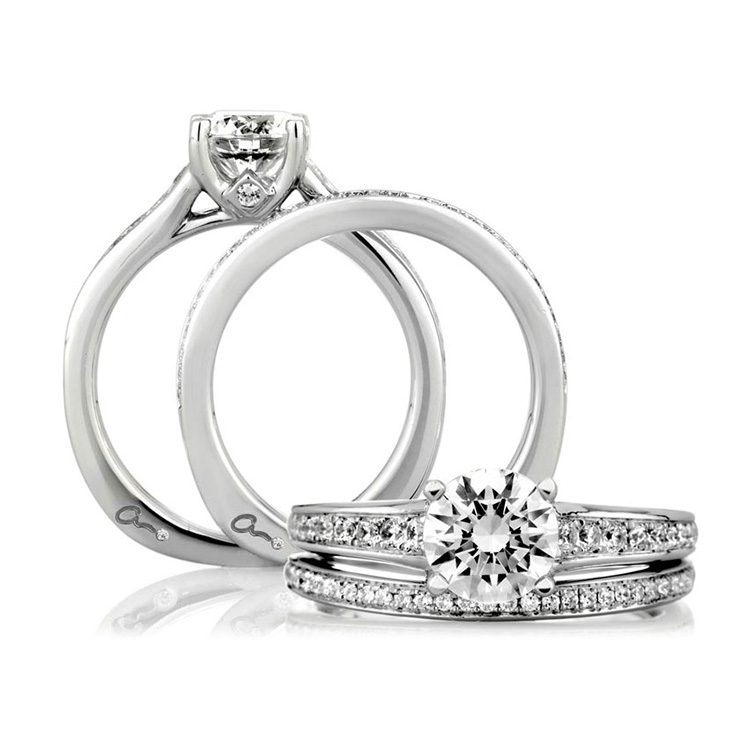 A Jaffe 18 Karat Signature Engagement Ring MES336 Alternative View 3