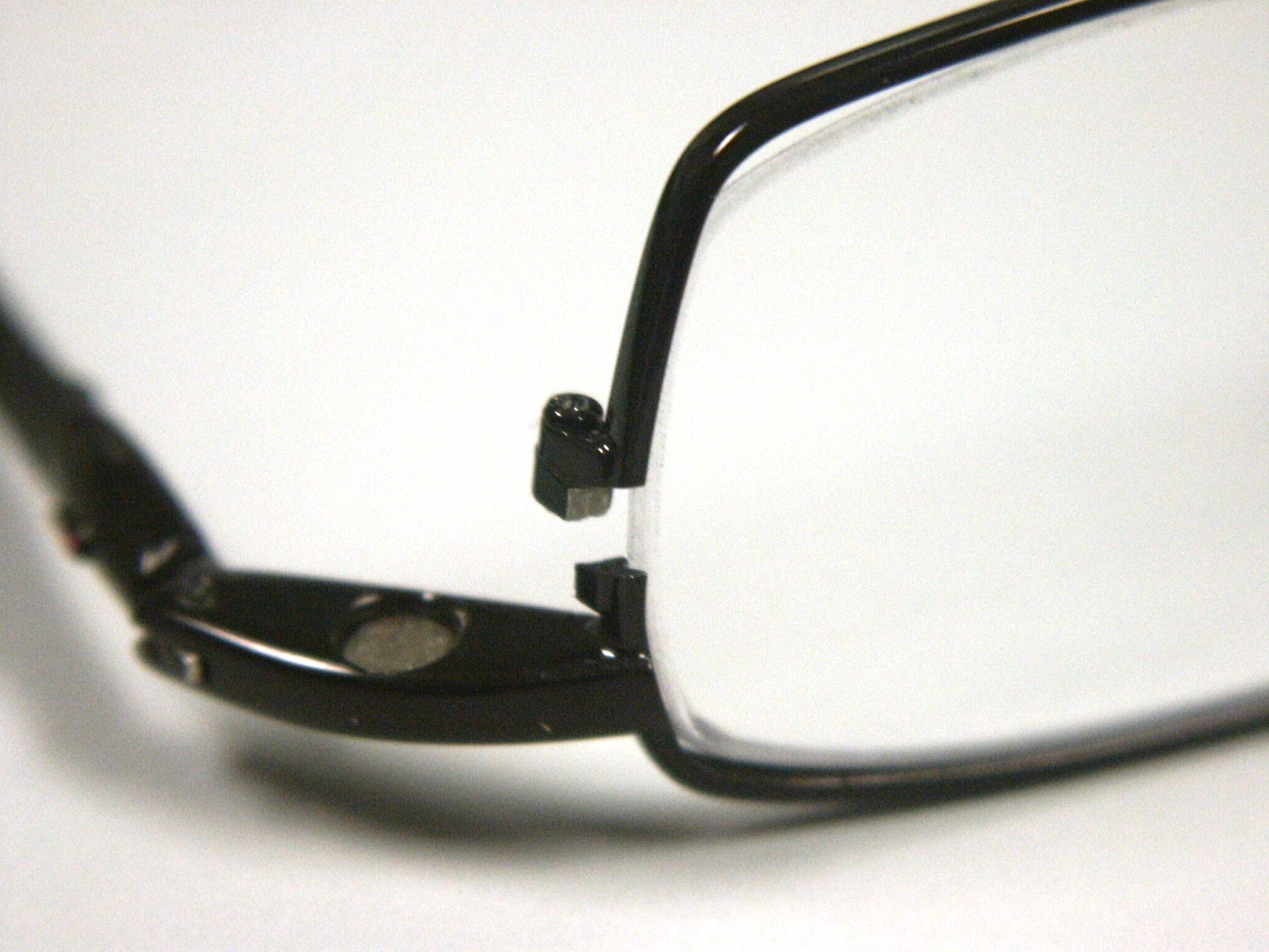 Eyeglass Frame Repair Welding : Eyeglass Repair Laser Weld Broken Eyeglasses TQ Diamonds